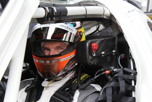 Maro Engel startet in diesem Jahr für Rowe Racing