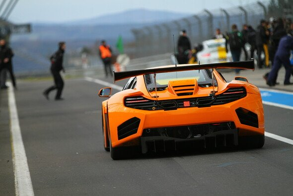 Der Dörr-McLaren verunfallte bereits im Training