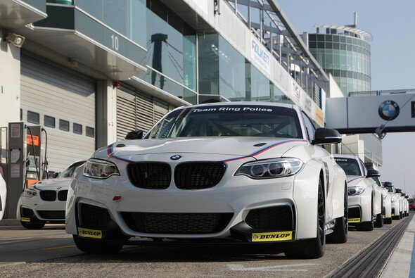 Basis des BMW-Juniorprogramms: BMW M235i Racing Cup