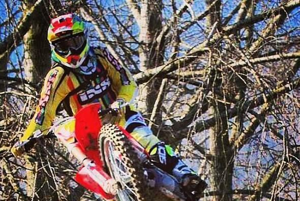 Dominique Aegerter fährt oft zur nahe gelegenen Motocross-Strecke