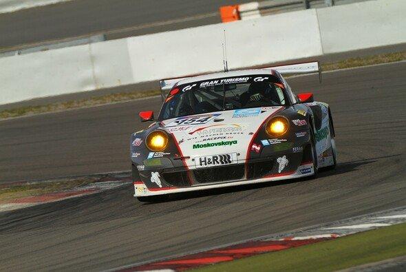 Manthey-Racing feierte beim Auftakt zwei Klassensiege