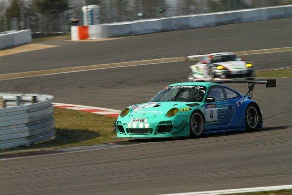 Der Falken-Porsche ist schon eine Woche später wieder am Start