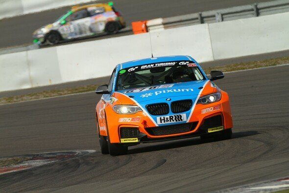 Spannung an jeder Ecke: Heiße Fights im BMW M235i Racing Cup