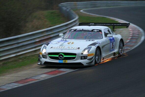 Funken in der Nacht: HTP Motorsport sicherte sich erneut die Bestzeit
