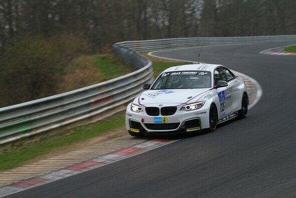 Alex Hofmann startet im BMW M235i Racing auf der Nordschleife