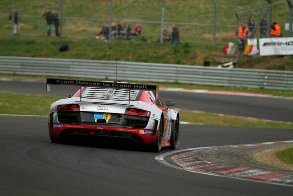 From Heaven to Green Hell: Felix Baumgartner im Audi R8 LMS ultra - Foto: Patrick Funk