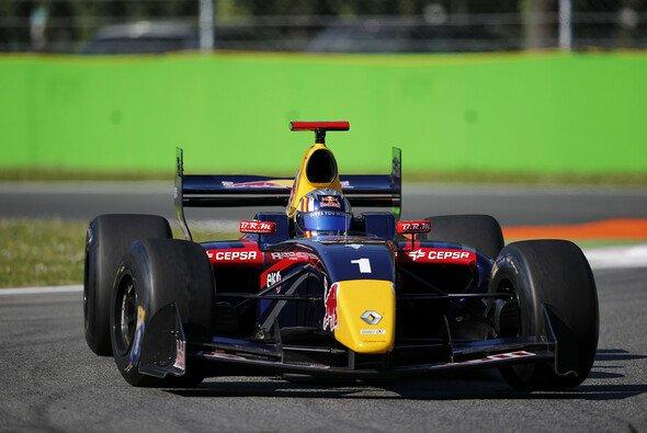 Carlos Sainz gewann das zweite Rennen in aller Deutlichkeit