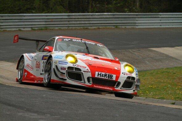 Frikadelli Racing feierte beim zweiten VLN-Lauf den Gesamtsieg