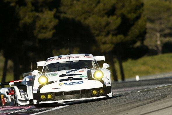 In beiden GTE-Klassen läuft es auf einen Dreikampf zwischen Aston Martin, Porsche und Ferrari hinaus