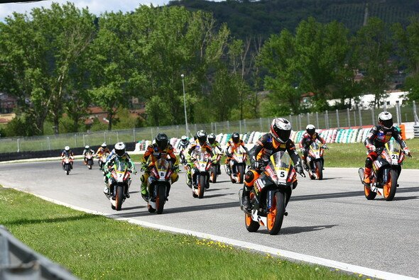 27 Fahrer starten in der Saison 2014 im ADAC Junior Cup powered by KTM.