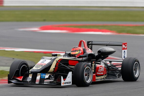 Esteban Ocon steht auf Pole Position