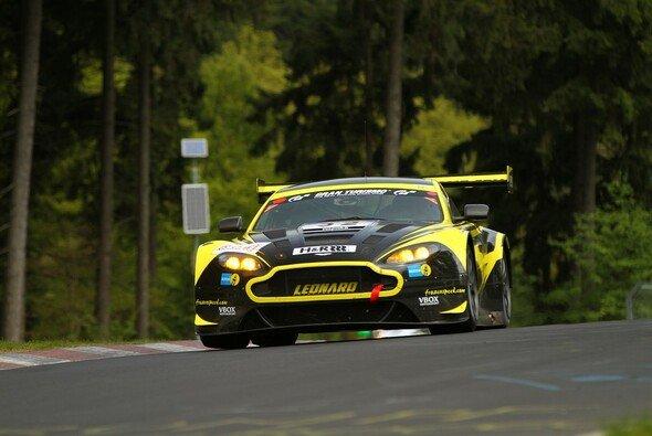 Der Aston-Martin-GT3 schied nach einer Kollision aus