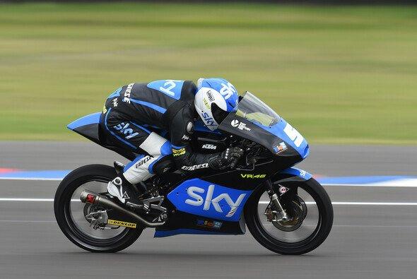 Romano Fenati entschied das Moto3-Rennen auf den letzten Metern für sich