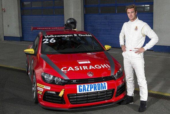Pierre Casiraghi sitzt zum ersten Mal in einem Profi-Rennwagen