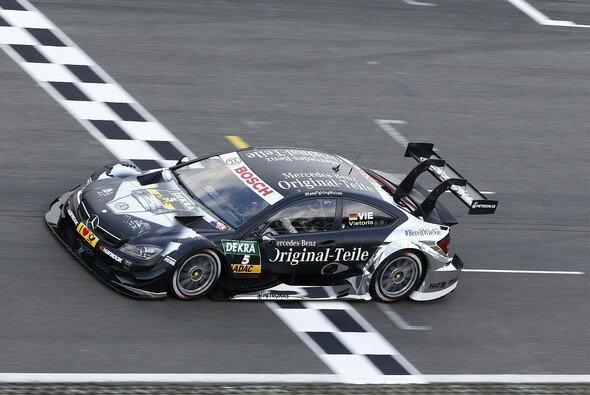 Die Mercedes-Piloten kamen außerhalb der Punkteränge ins Ziel - Foto: Mercedes-Benz
