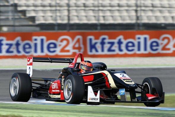 Esteban Ocon führt die Meisterschaft an
