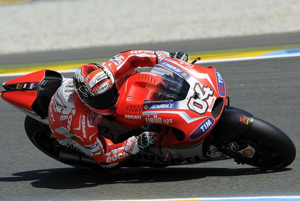Andrea Dovizioso stellt seine Ducati in die erste Reihe