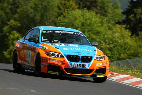 Daniel Zils konnte die Tabellenführung im BMW M235i Racing Cup verteidigen - Foto: Patrick Funk