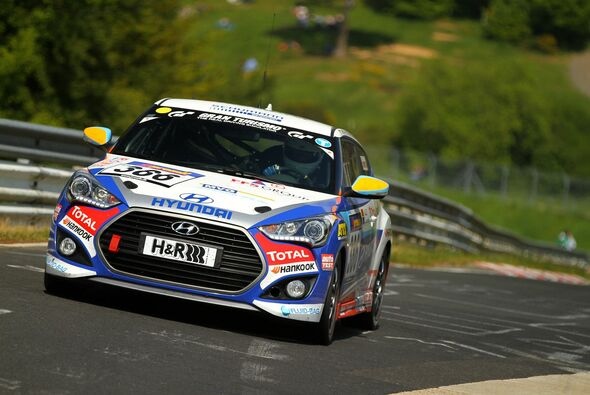 Der Hyundai Veloster Turbo beendet seine Nordschleifen-Saison - Foto: Patrick Funk