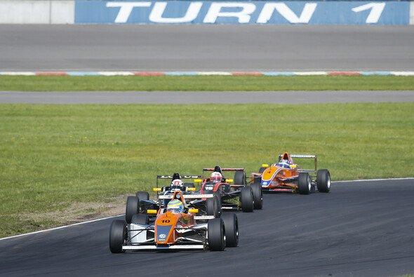Schwieriges Rennwochenende für Schiller Motorsport