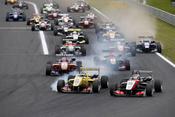 Heißer Start der Formel 3 EM bei der Premiere in Ungarn