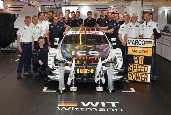 Nach Wittmanns Sieg: Große Party bei BMW in Ungarn - Foto: BMW AG