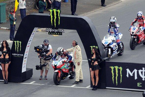 Die Tourist Trophy steht in den Startlöchern - Foto: IOM TT
