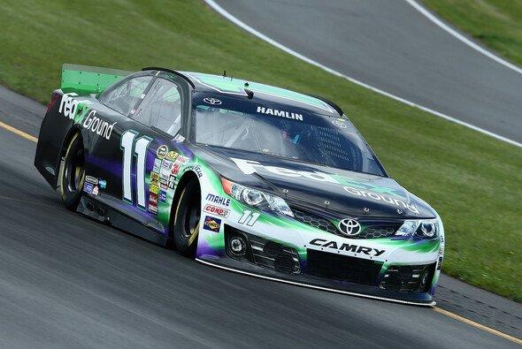 Denny Hamlin steht beim 14. Saisonlauf in Pocono auf der Pole Position