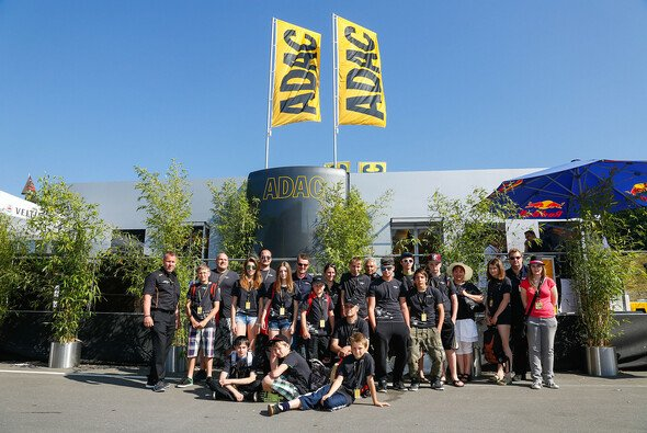 SOS-Kinderdorf Klagenfurt besucht den Red Bull Rin