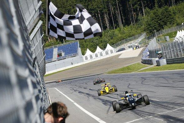 Joel Eriksson gewinnt drittes Rennen auf dem Red Bull Ring