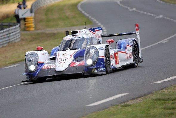 Der Toyota mit der Startnummer 7 holte sich die Pole von Porsche zurück