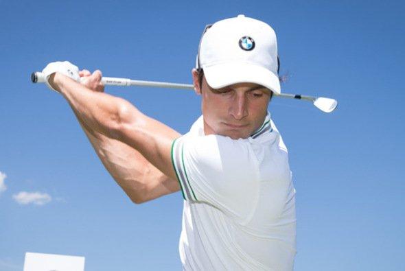 Bruno Spengler gilt als talentierter Golfer - Foto: BMW
