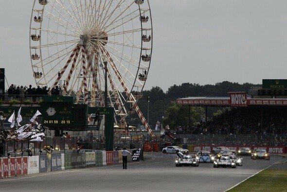 Traum der meisten Rennfahrer: Einmal bei den 24h von Le Mans teilnehmen - Foto: Audi