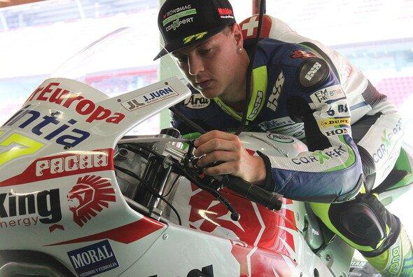 Dominique Aegerter fährt seine ersten Runden in der MotoGP