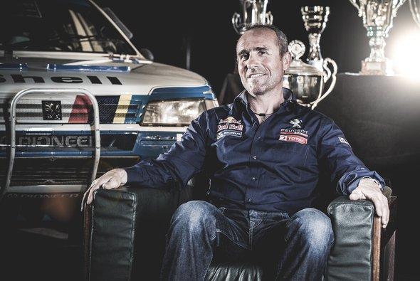 Peterhansel heuert bei Peugeot an