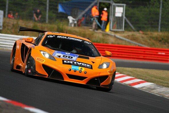 Damit hätte wohl keiner gerechnet: McLaren führt die Wertung nach dem ersten Qualifying an - Foto: Patrick Funk