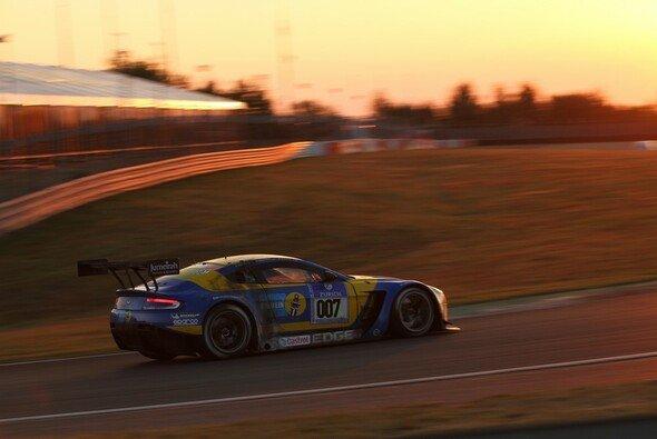 Aston Martin hat genauso wie Bentley ein Top-Ergebnis am Nürburgring im Visier - Foto: Patrick Funk