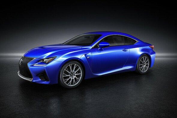 Angetrieben wird der RC F vom stärksten V8 Motor, den Lexus bislang in einem Serienfahrzeug eingesetzt hat
