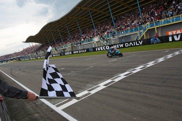 Das Assen-Rennen findet zum letzten Mal an einem Samstag statt - Foto: Ioda Racing