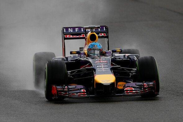 Sebastian Vettel überraschte die Konkurrenz - Foto: Red Bull