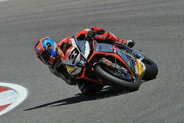 Marco Melandri feierte den Sieg im ersten Rennen
