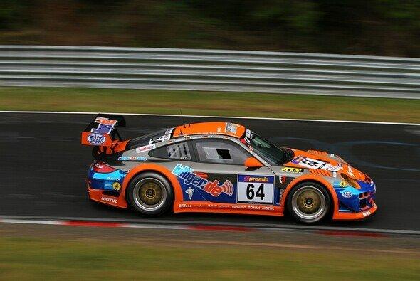 Der Porsche von billiger.de/racing erlebte erneut ein turbulentes Rennen