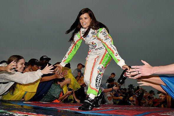 Nicht wenige Vermarkter würden Danica Patrick nur zu gern in der Formel sehen - Foto: NASCAR