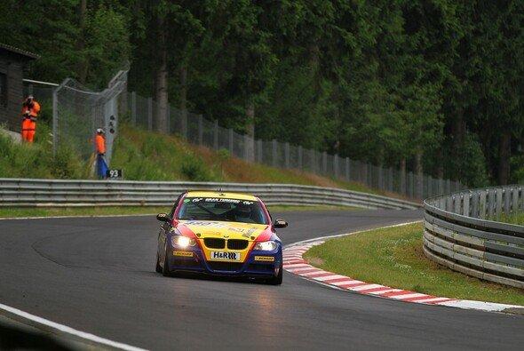 Bonk motorsport zog den BMW vom Rennen zurück