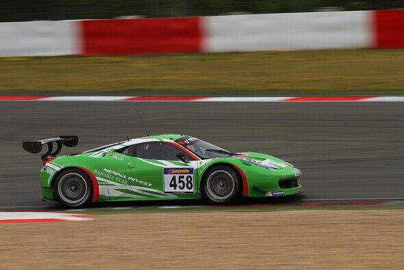 Marco Seefried raste im Ferrari auf Platz zehn
