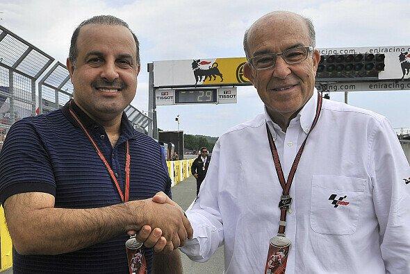 Camelo Ezpeleta besiegelt den Katar-Deal - Foto: WorldSBK.com