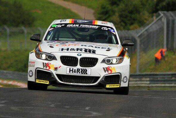 Mies, Krohn und Hughes gehen im BMW M235i Racing an den Start