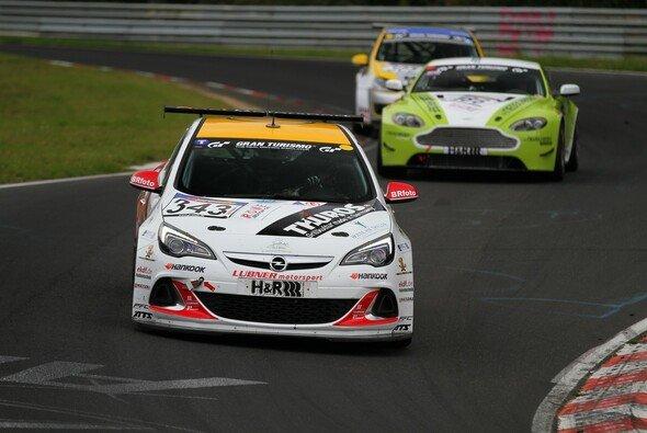 Lubner Event & Motorsport siegte im Astra OPC Cup