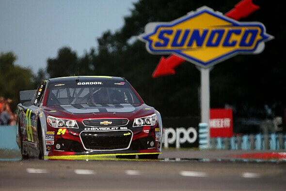 Jeff Gordon feierte in Watkins Glen seine 75. Jubiläums-Pole