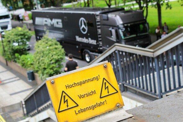 Spannung gibt es am Nürburgring auf und abseits der Strecke